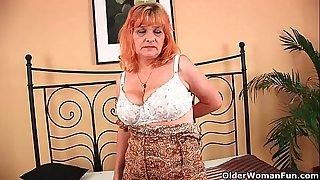 Granny with big tits sucks..