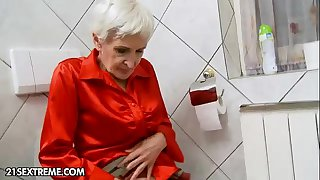 Hairy granny gets fucked by..
