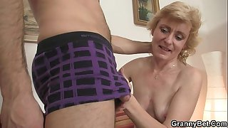 Fresh cock for hot mature..