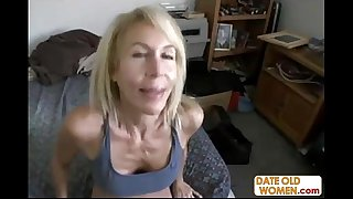 Hot GILF with hairy pussy..