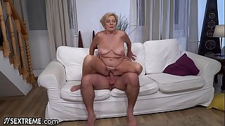 21Sextreme Big Titty Mature..