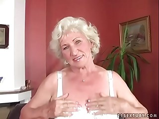Granny Norma got her pussy..