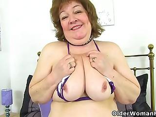 UK granny Susan strips off..