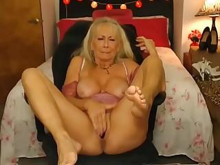 Sexy granny cumming hard on..