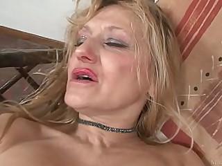 Blond granny masturbated..