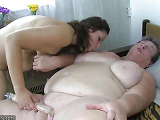 Old chubby mom teaches her..