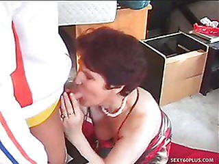 Mature Dame Banged In The..