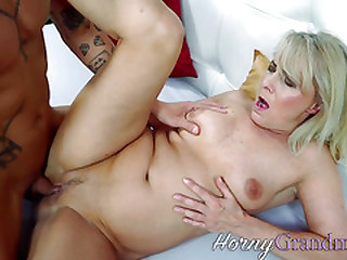 Mature whore gets old cunt..