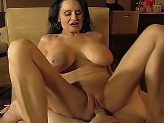 Hot amateur mature sucking..