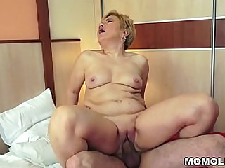 Huge cock drilled a granny..