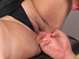 curvy big natural breast..