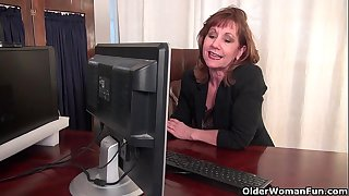 Office granny in pantyhose..